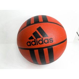 כדור של אדידס