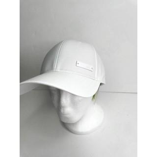 כובע של אדידס